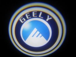 Лазерная проекция с логотипом Geely