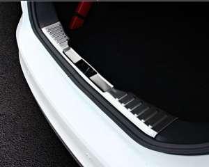 Внутренняя накладка на бампер (седан) Ford Focus (2015-2017)