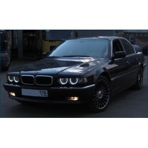 Ангельские глазки на BMW E38 (рестайлинг)