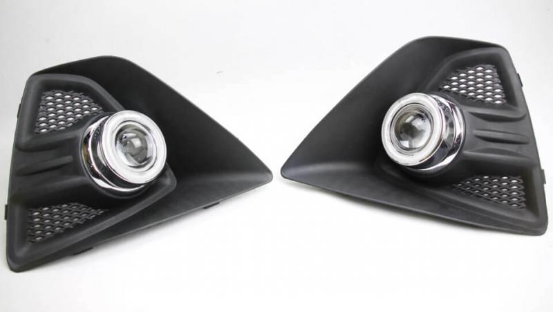 Противотуманные фары с ангельскими глазками Ford Focus Hatchback