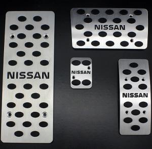 Накладки на педали Nissan Tiida (автомат ST-131)