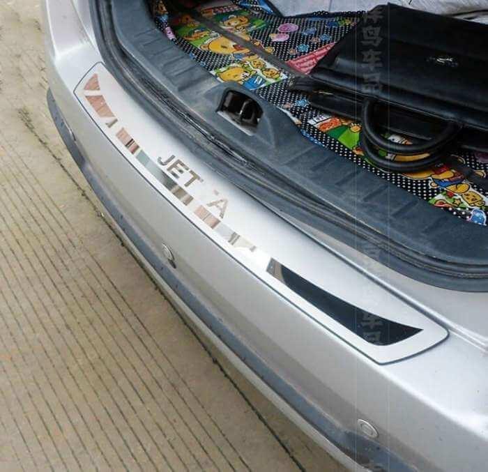 Накладка на бампер Volkswagen Jetta 6