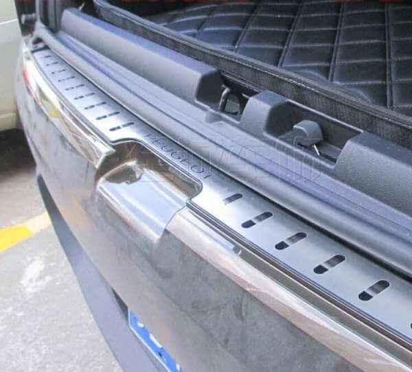 Накладка на бампер Peugeot 3008