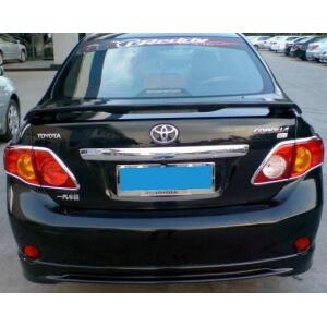 Молдинг на багажник (верхний) Toyota Corolla 2006-2010