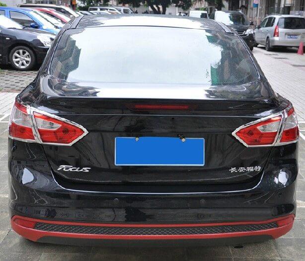 Хромированные накладки на задние фары Ford Focus