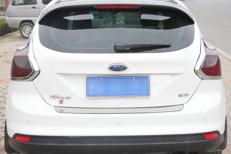 Хромированные накладки на задние фары Ford Focus hatchback