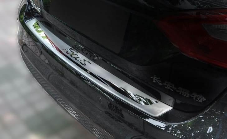 Накладка на бампер Ford Focus 3 седан, фото 2