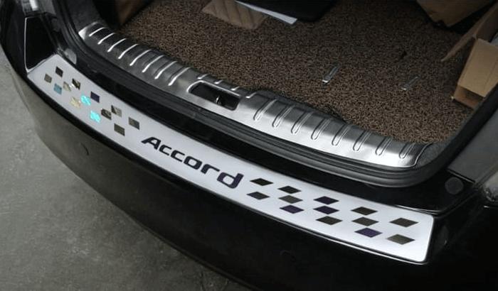 Накладка на бампер Honda Accord 8 рестайлинг (Американка)