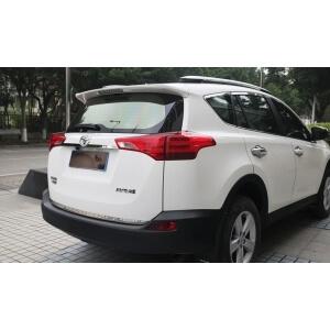 Молдинг на багажник (нижний) Toyota Rav4 2013-2015