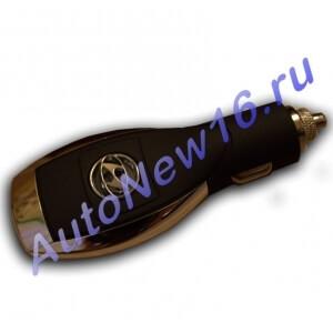 Зарядное устройство с логотипом Hyundai