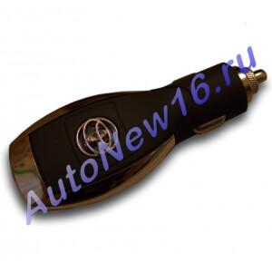 Зарядное устройство с логотипом Toyota