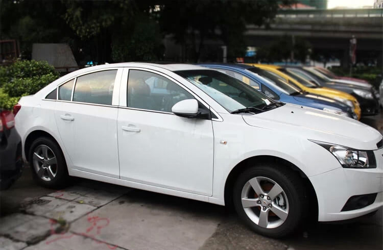 Хромированные молдинги окон дверей на Chevrolet Cruze (22 предмета)