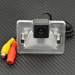 Камера заднего вида Mazda 5 (HS8068)