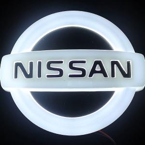 4D светящийся шильдик Nissan