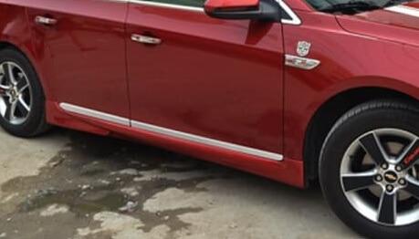 Молдинги на двери Chevrolet Cruze