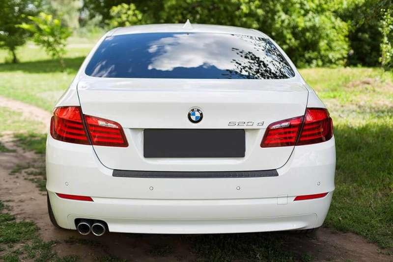 Пластиковая накладка на бампер BMW 5, фото 2