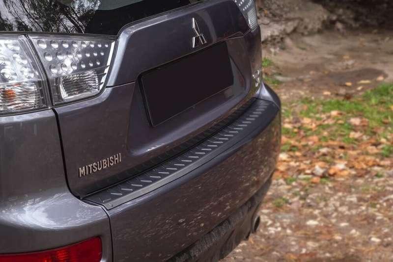 Пластиковая накладка на бампер Mitsubishi Outlander 2 рестайлинг, фото 2