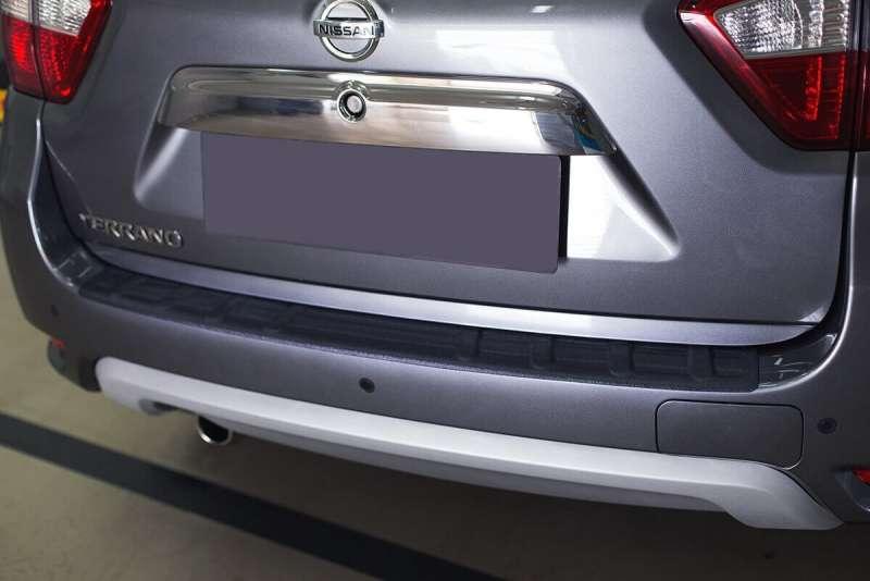 Пластиковая накладка на бампер Nissan Terrano 3