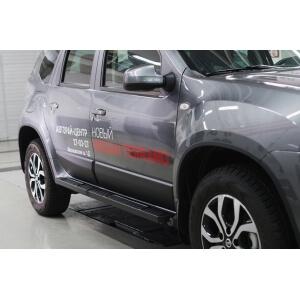 Молдинги на двери Nissan Terrano