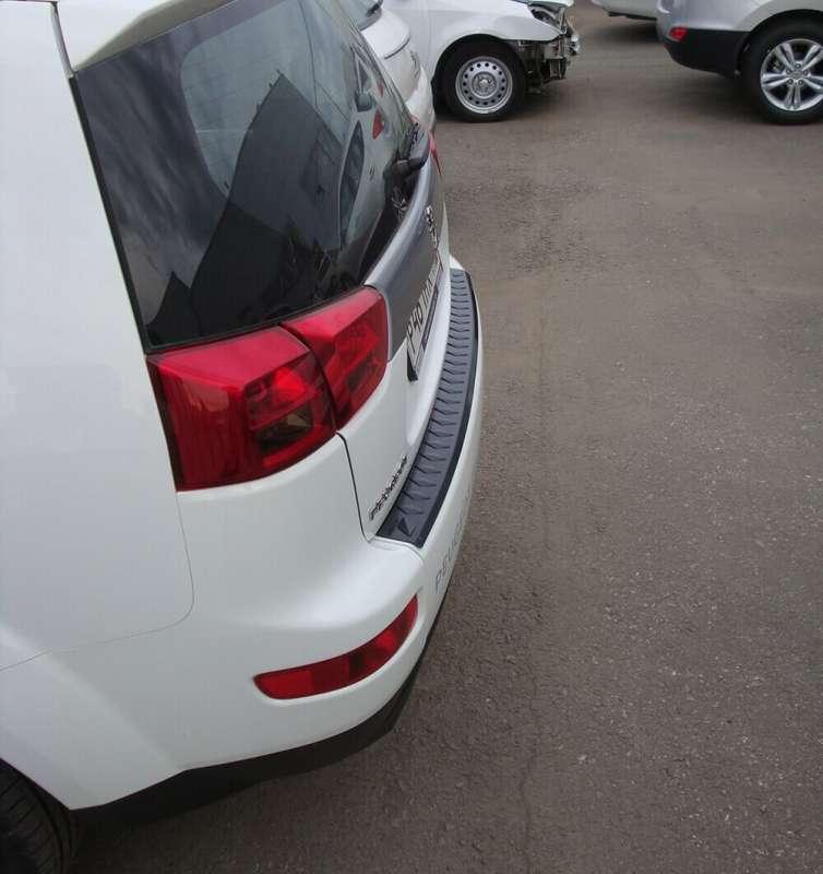 Пластиковая накладка на бампер Peugeot 4007, фото 3
