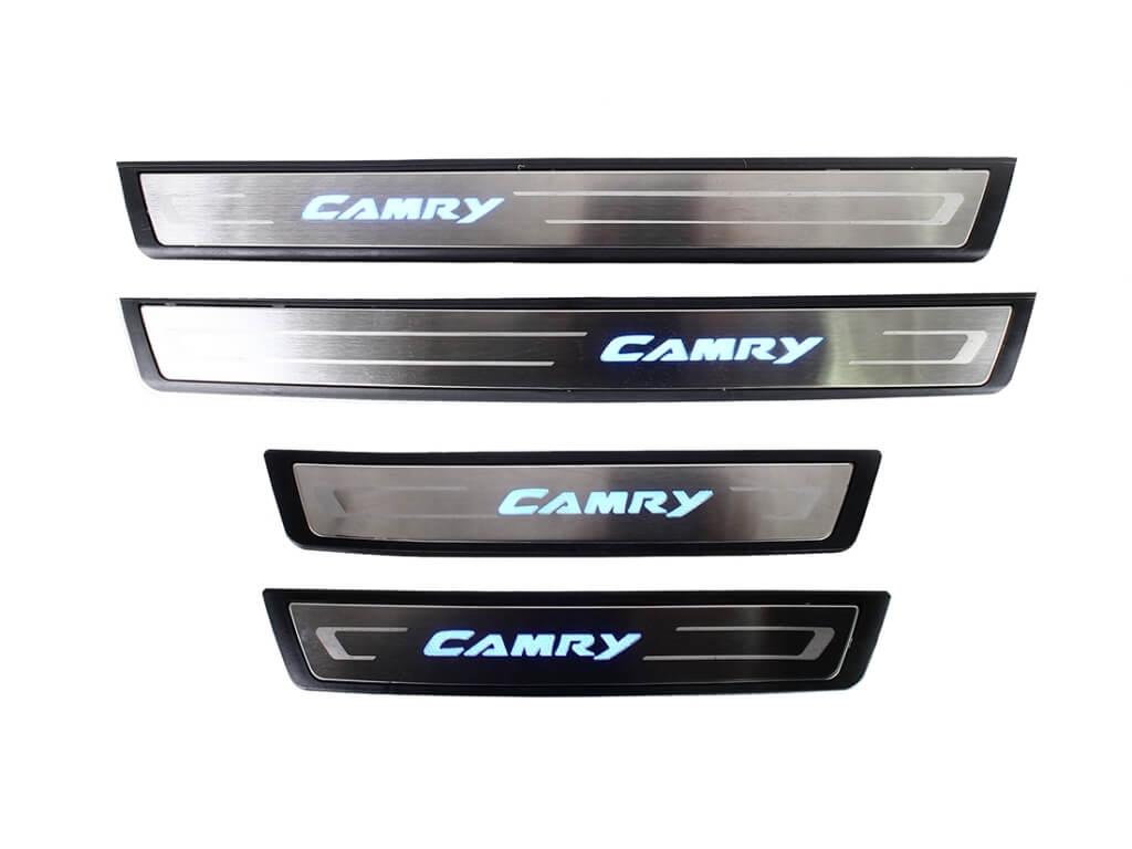 Накладки на пороги с подсветкой (под оригинал) Toyota Camry XV50