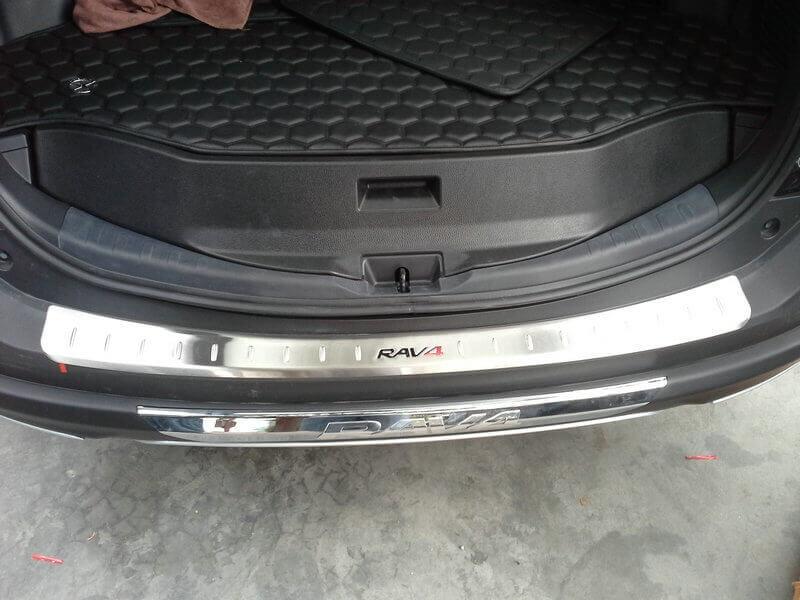 Накладка на бампер Toyota Rav4 CA40, фото 2