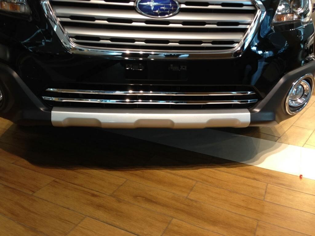 Накладки на нижнюю решетку радиатора Subaru Outback (2015)
