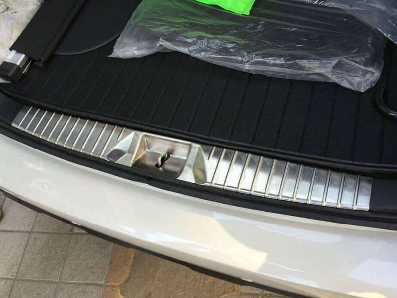Накладка на бампер (внутренняя) Subaru Outback 5