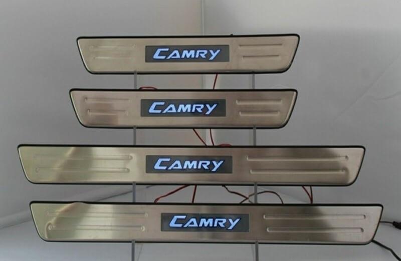 Накладки на пороги Toyota Camry XV50