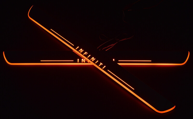 Накладки на пороги Premium для INFINITI QX70 (красная подсветка)