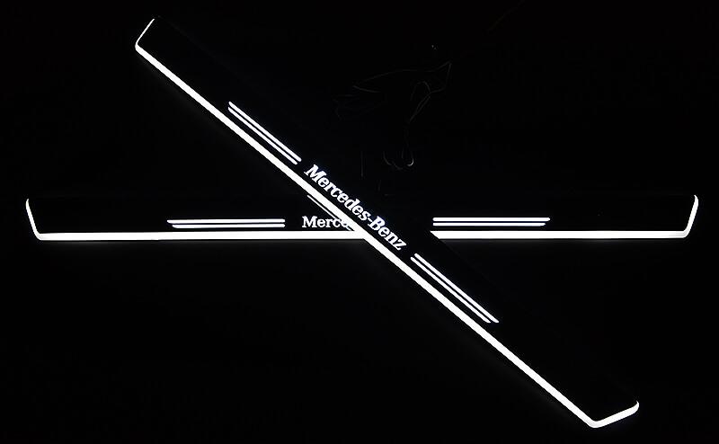 Накладки на пороги Premium для Mercedes-Benz GLK (белая подсветка)
