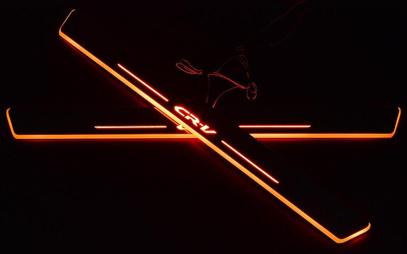 Накладки на пороги Premium для Honda CRV (красная подсветка)