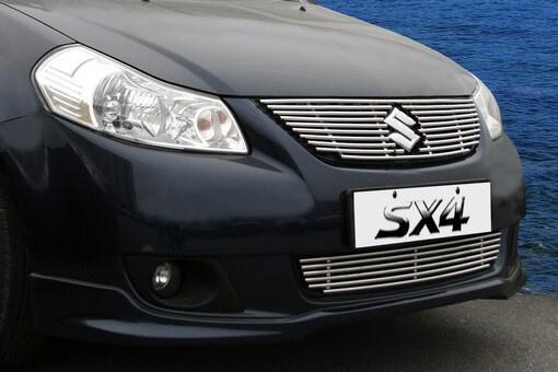 Декоративный элемент решётки радиатора Suzuki SX4 2006 – 2014, седан