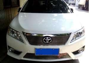 Хромированная решетка радиатора Toyota Camry XV50 (линейчатая)
