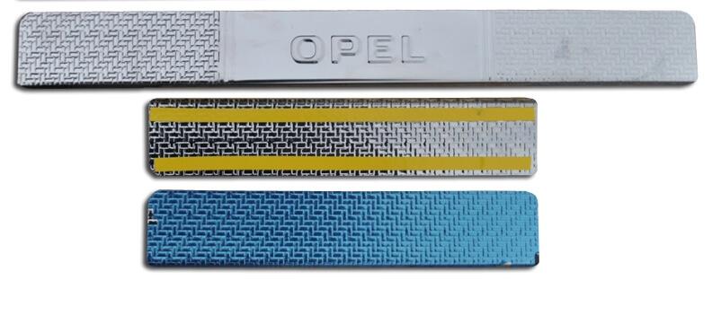 Накладки на пороги Opel Astra Carbon