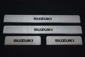 Накладки на пороги Suzuki Swift (над. краска)