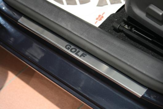 Накладки на пороги Volkswagen Golf (над. краска)