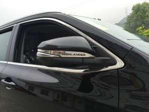 Накладки с надписью на зеркала заднего вида Toyota Highlander (2014-2016)