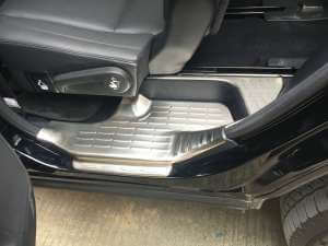 Накладки на внутренние пороги (нерж.) на Toyota Highlander (2014-2016)