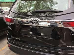 Молдинг на багажник Toyota Highlander (2014-2016)