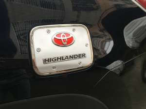 Накладка на крышку бензобака Toyota Highlander (2014-2016)
