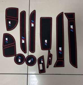 Коврики в подстаканники и в дверные ниши BMW 3 серия