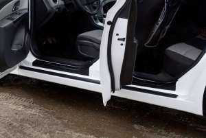 Накладки на внешние  пороги Chevrolet Cruze (2012-2015)