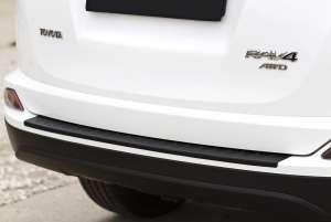Пластиковая накладка на бампер Toyota Rav4 2013-2018