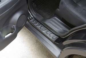 Накладки на внешние пороги Nissan X-Trail 2014+