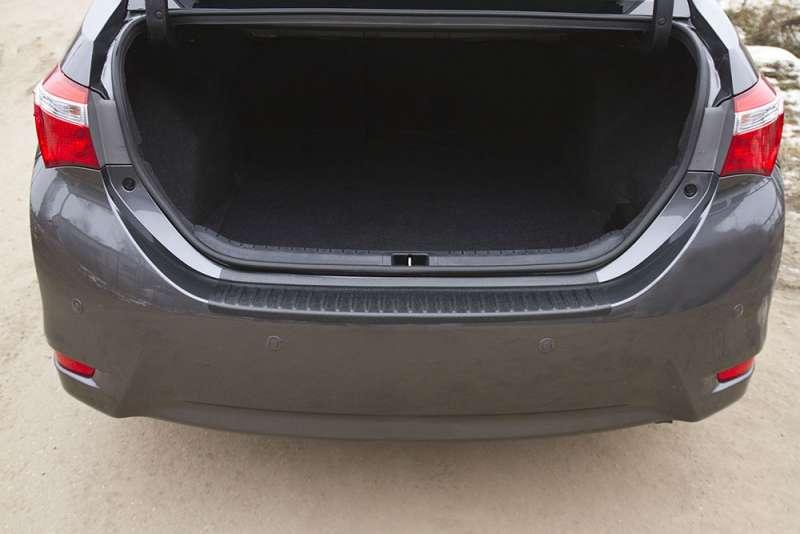 Пластиковая накладка на бампер Toyota Corolla (седан) 2012-2015, фото 5