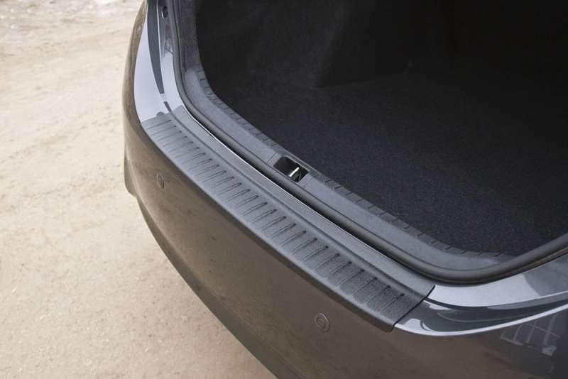 Пластиковая накладка на бампер Toyota Corolla (седан) 2012-2015, фото 4